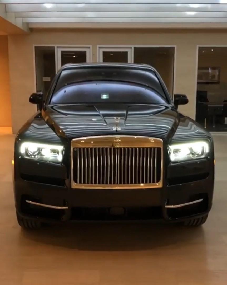 Chiếc Rolls-Royce Cullinan của nữ rapper được sơn màu đen bóng