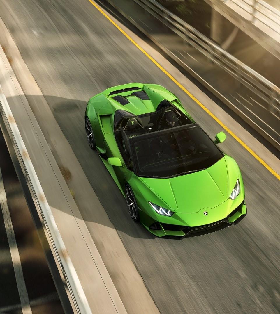 Cận cảnh màu sơn Verde Selvans trên Lamborghini Huracan Evo Spyder