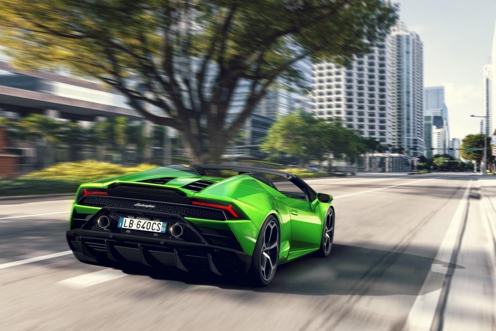 Siêu xe mui trần tăng tốc 0-100 km/h trong 3,1 giây