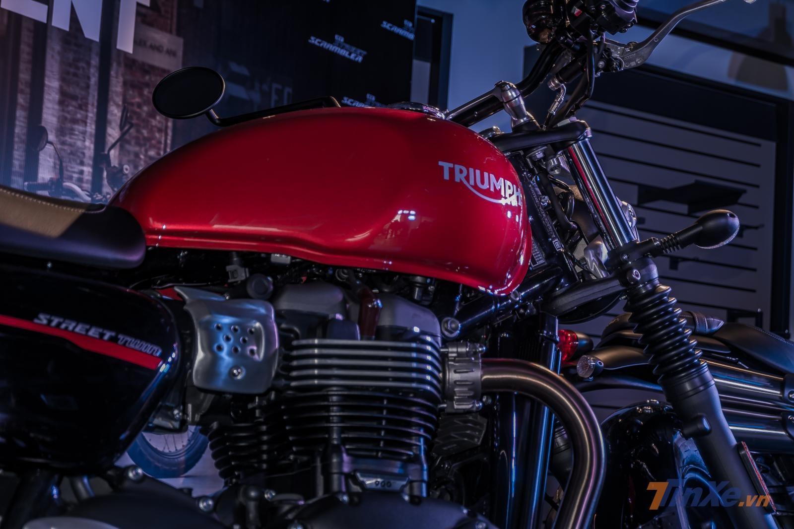 Bình xăng trên Triumph Street Twin 2019 vẫn giữ nguyên thiết kế tuyệt đẹp vốn có của mình