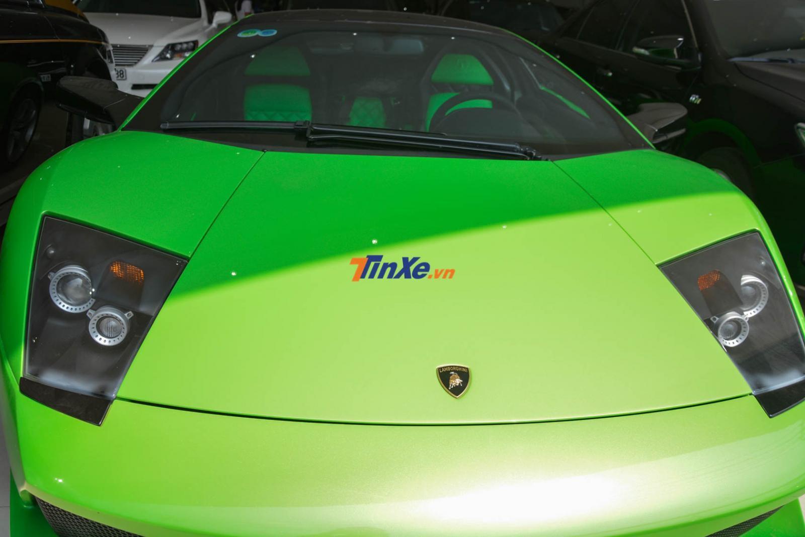 Đèn pha góc cạnh trên Lamborghini Murcielago LP640