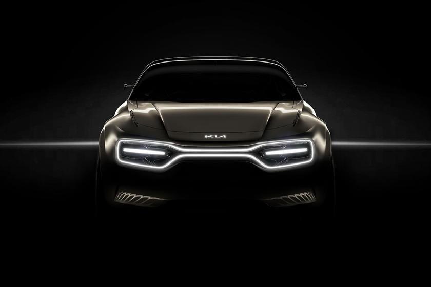 Hình ảnh úp mở mặt trước của mẫu xe mới cho thấy một hệ thống ánh sáng ấn tượng