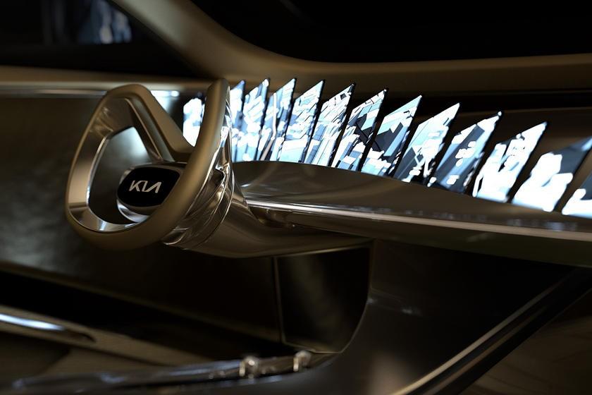 Kia chính thức hình ảnh nội thất cho thấy thiết kế 21 màn hình trên mặt táp-lô của mẫu concept mới