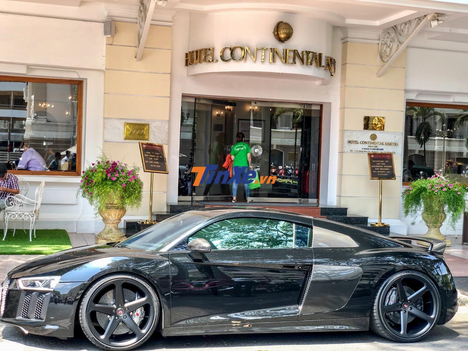 Đây là chiếc Audi R8 V10 Plus độ khủng nhất Việt Nam
