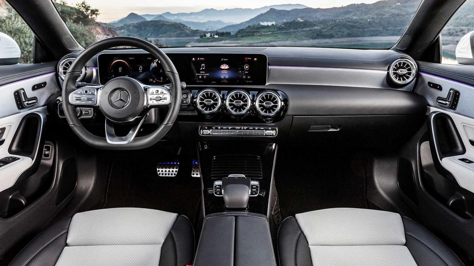Mercedes-Benz CLA Shooting Brake 2019 có hệ thống MBUX