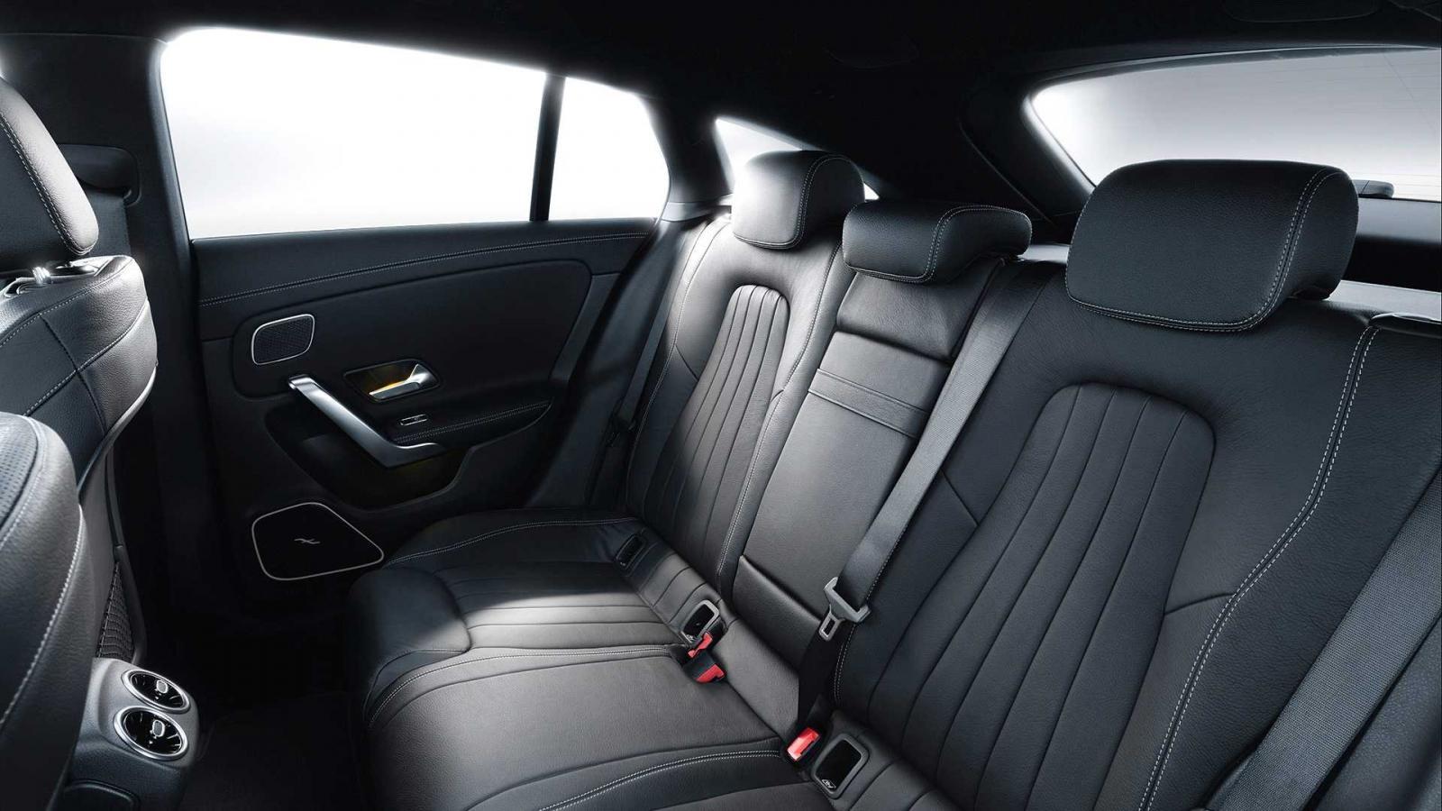 Hàng ghế sau của Mercedes-Benz CLA Shooting Brake 2019