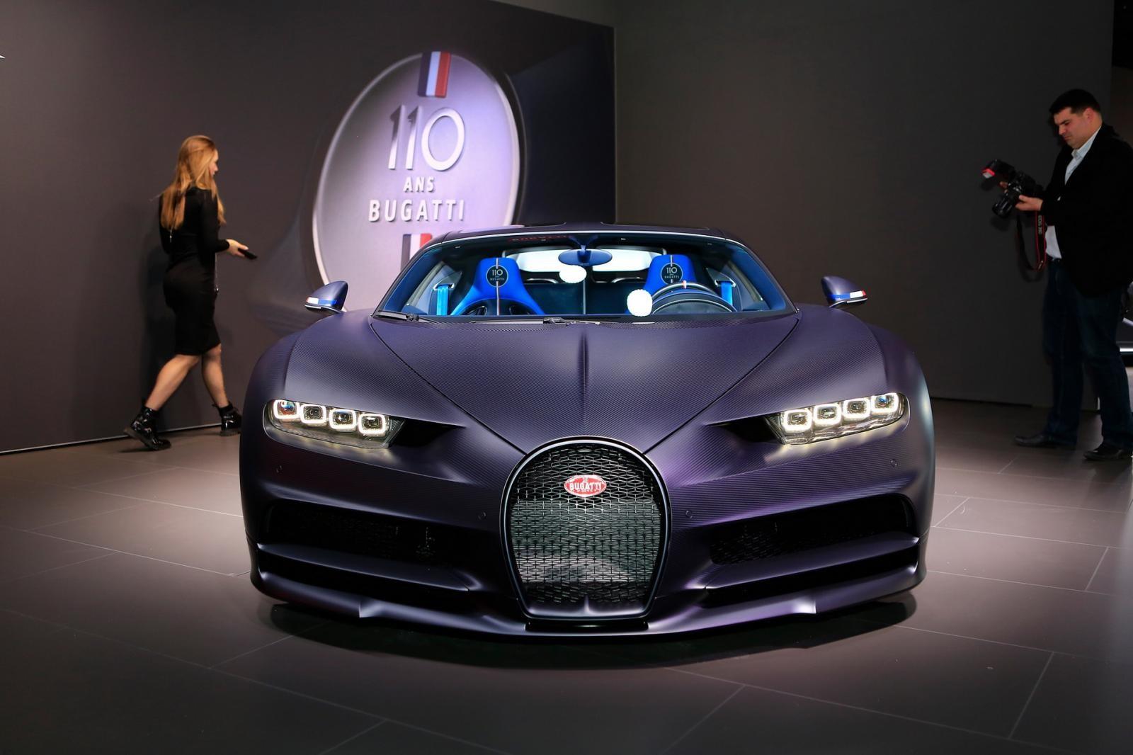 Cận cảnh chiếc Bugatti Chiron Sport kỷ hiệm sinh nhật lần thứ 110 của hãng siêu xe Pháp