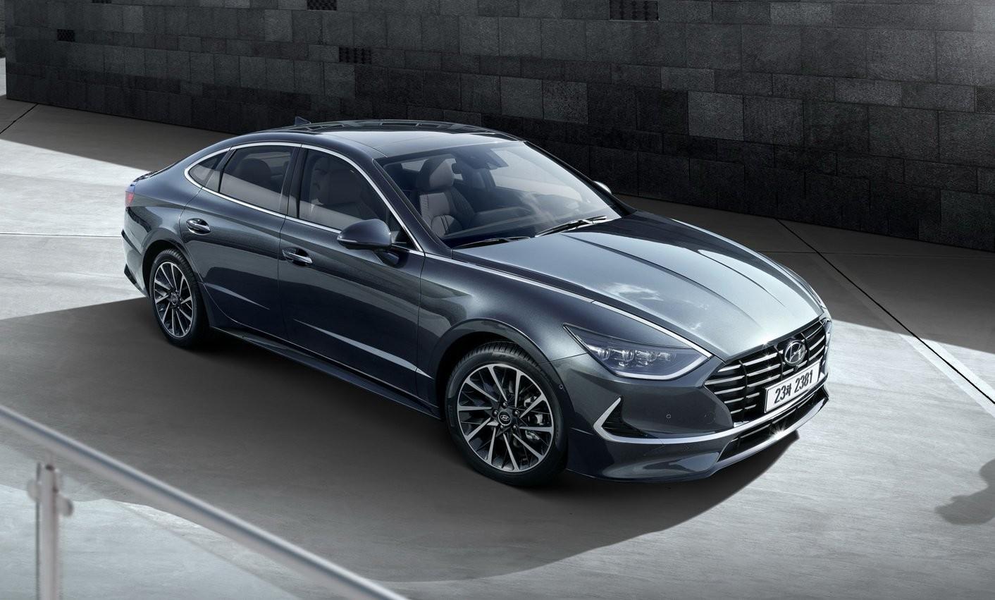 Hyundai Sonata 2020 được hé lộ thiết kế trước ngày ra mắt