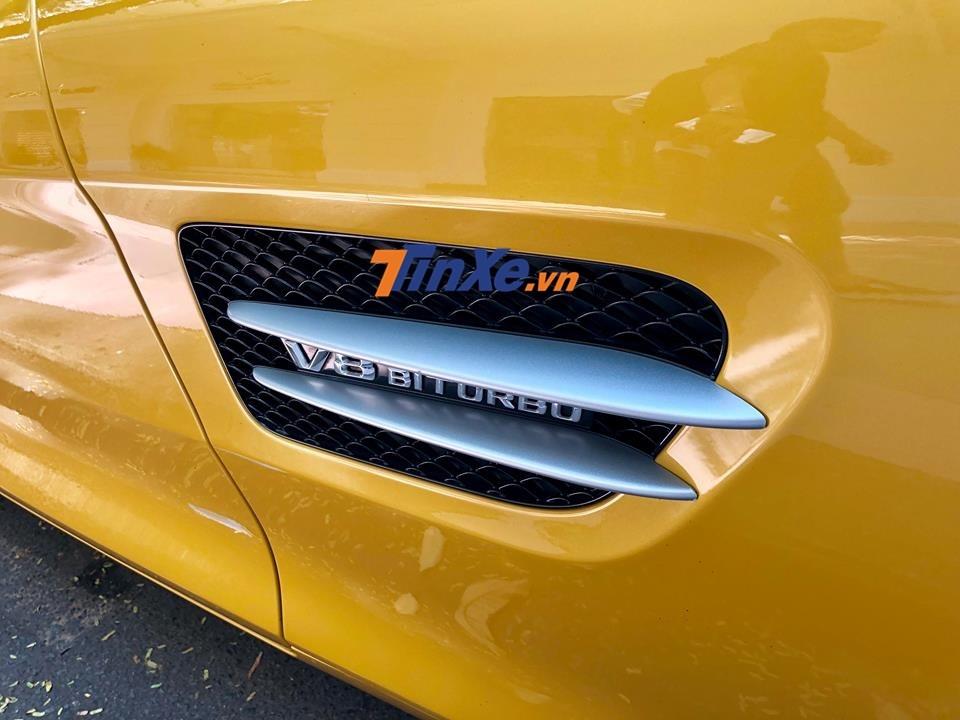 Siêu xe Mercedes-AMG GT Sđược trang bị động cơ V8