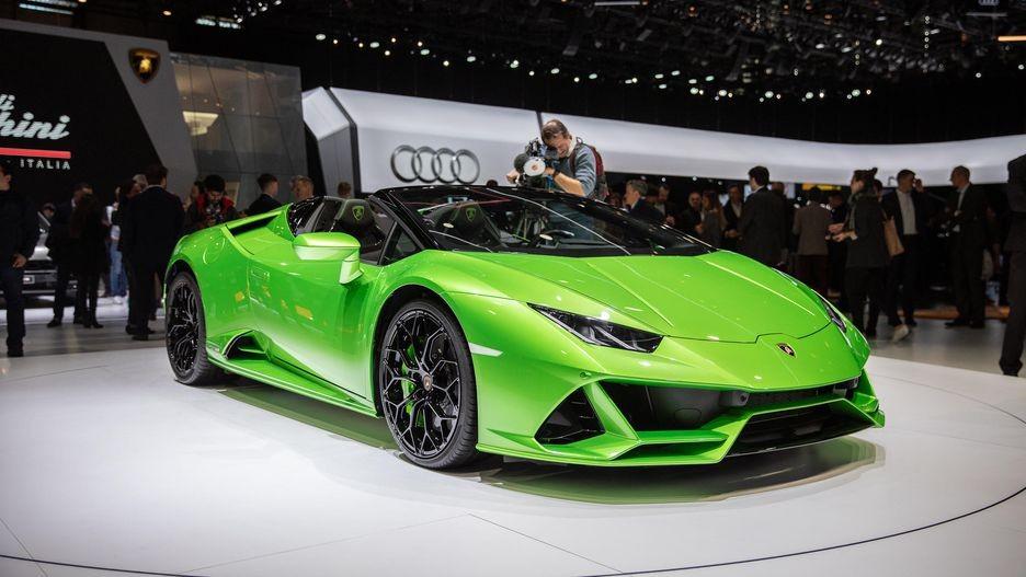Lamborghini Huracan Evo Spyder có giá 12,635 tỷ đồng tại Trung Quốc