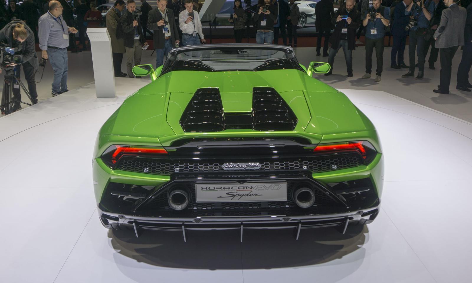 Động cơ của Lamborghini Huracan Evo mui trần