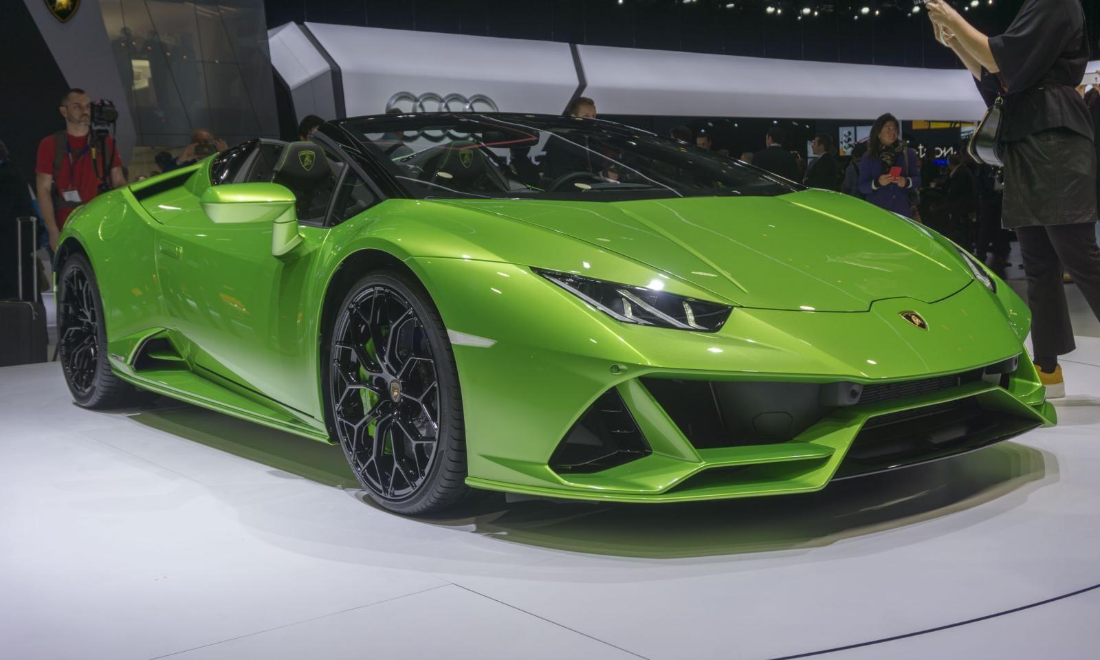 Lamborghini Huracan Evo mui trần toả sáng tại triển lãm danh giá nhất thế giới