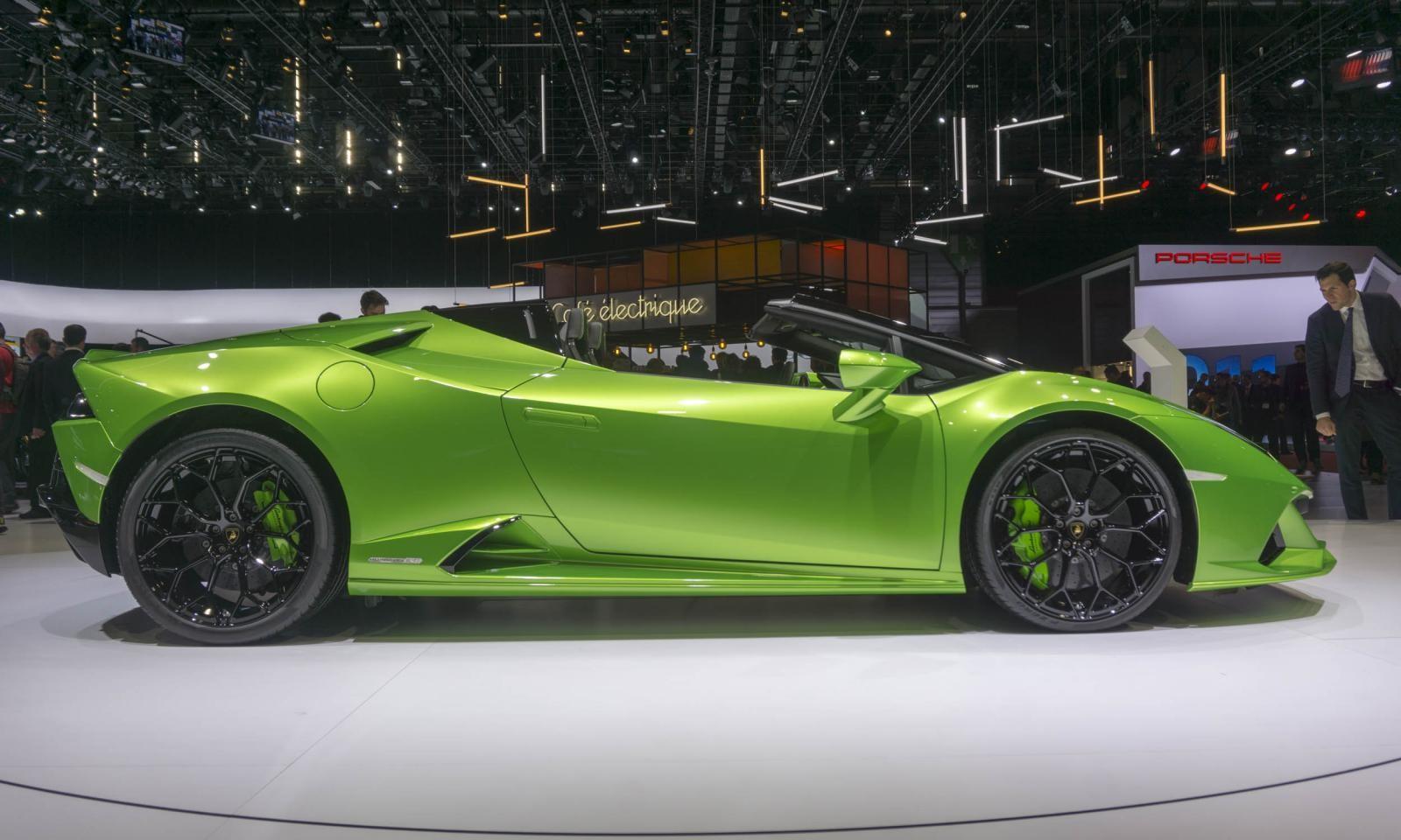 Lamborghini Huracan Evo Coupe vẫn sử dụng khối động cơ V10