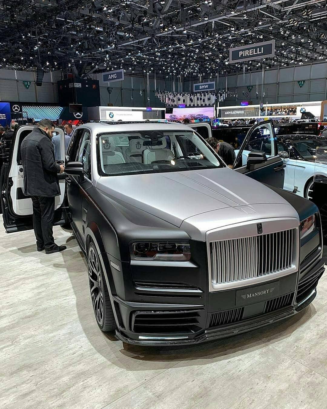 Phiên bản tỷ phú của chiếc SUV siêu sang Rolls-Royce Cullinan do Mansory tạo ra có giá lên đến 887.000 đô la