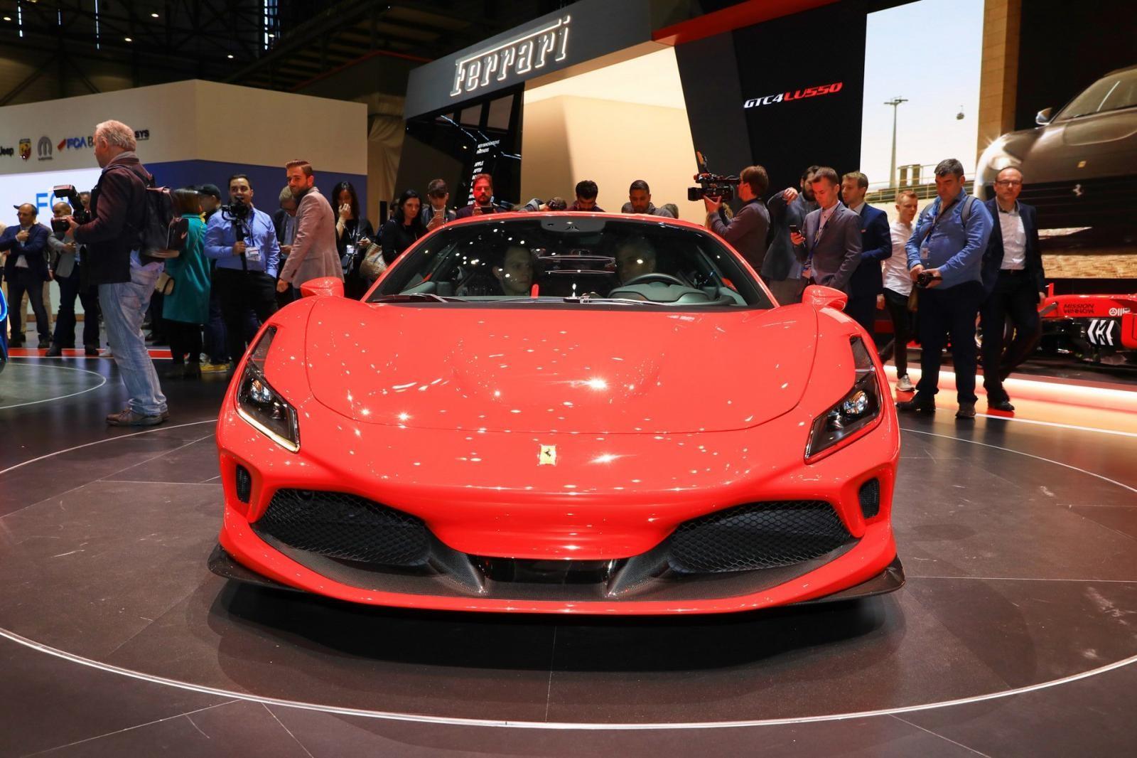 Ferrari F8 Tributo chính thức ra mắt đặt dấu chấm hết cho siêu xe Ferrari 488 GTB