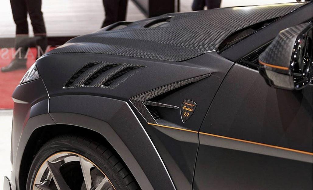 Hàng loạt chi tiết ngoại thất bằng sợi carbon