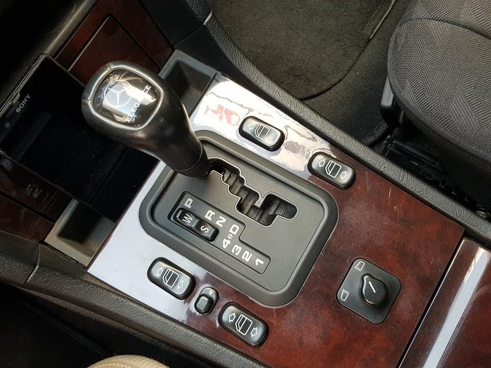 Xe sử dụng hộp số tự động bốn cấp