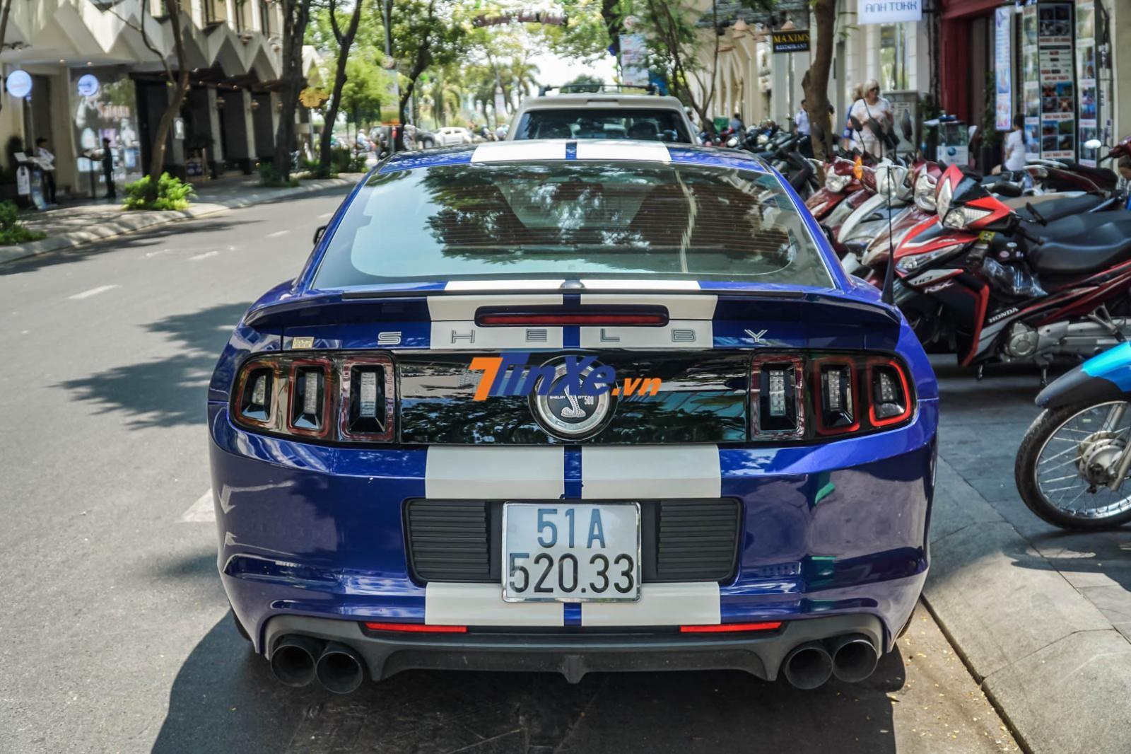Vẻ đẹp cơ bắp và sức mạnh đáng kinh ngạc của Ford Mustang Shelby GT500 là niềm ao ước cho ai yêu thích dòng xe ngựa hoang