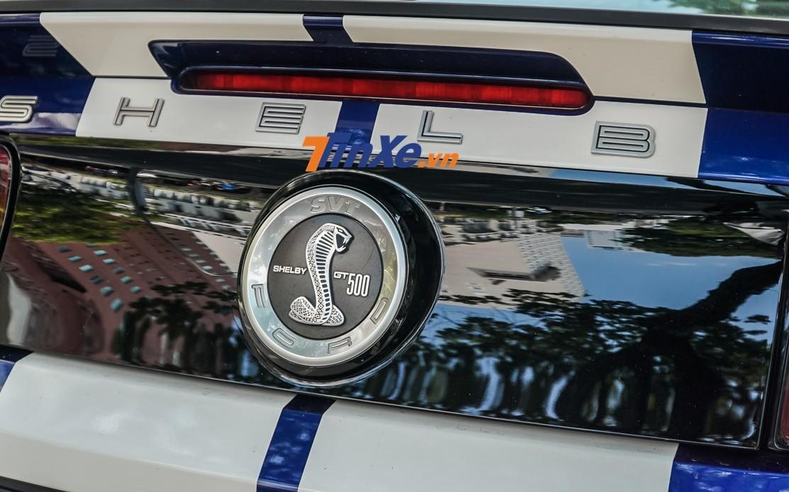 Ford Mustang Shelby GT500 đời 2013 sử dụng động cơ V8 siêu nạp, sản sinh công suất tối đa 662