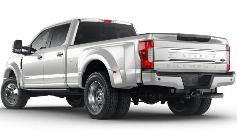 Ford Super Duty F-450 Platinum 2019 dùng động cơ diesel V8 mạnh mẽ