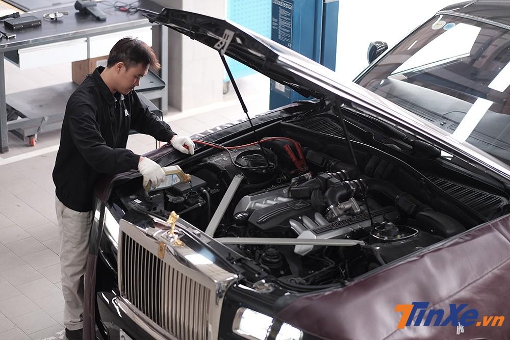 Những chiếc xe Rolls-Royce chính hãng được chăm sóc cẩn thận và có chế độ hậu mãi hoàn hảo dành cho khách hàng Việt.