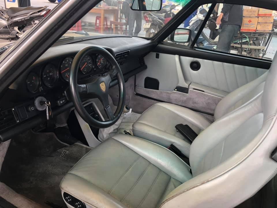 Nội thất cổ Porsche 930 Turbo hơn 32 tuổi Việt Nam
