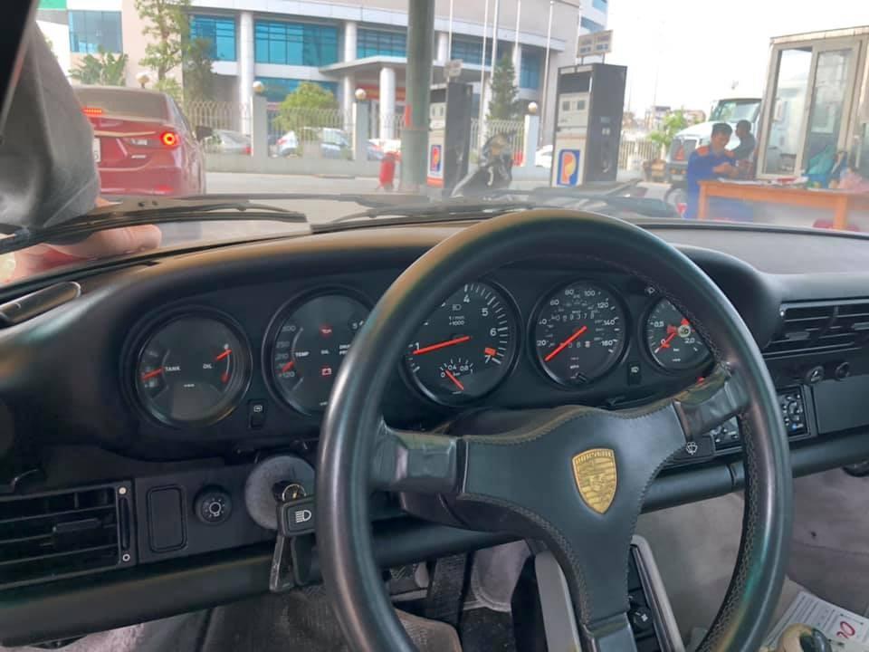 5 đồng hồ trên Porsche 930 Turbo