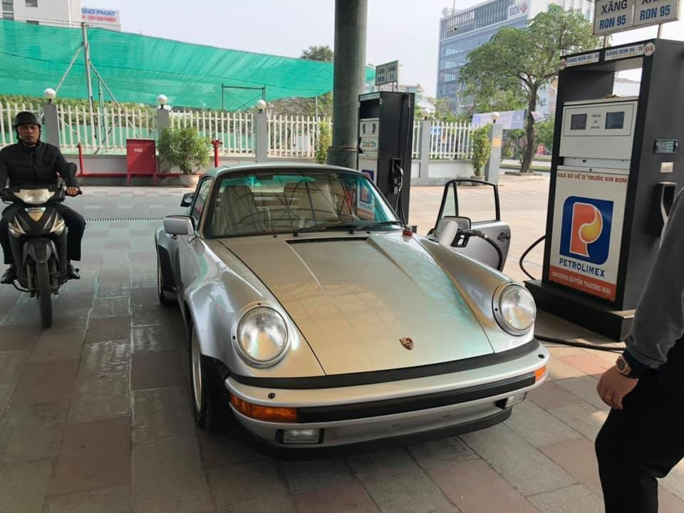 Porsche 911 Turbo có tuổi đời cao nhất Việt Nam bất ngờ tái xuất trên đường phố Hải Phòng