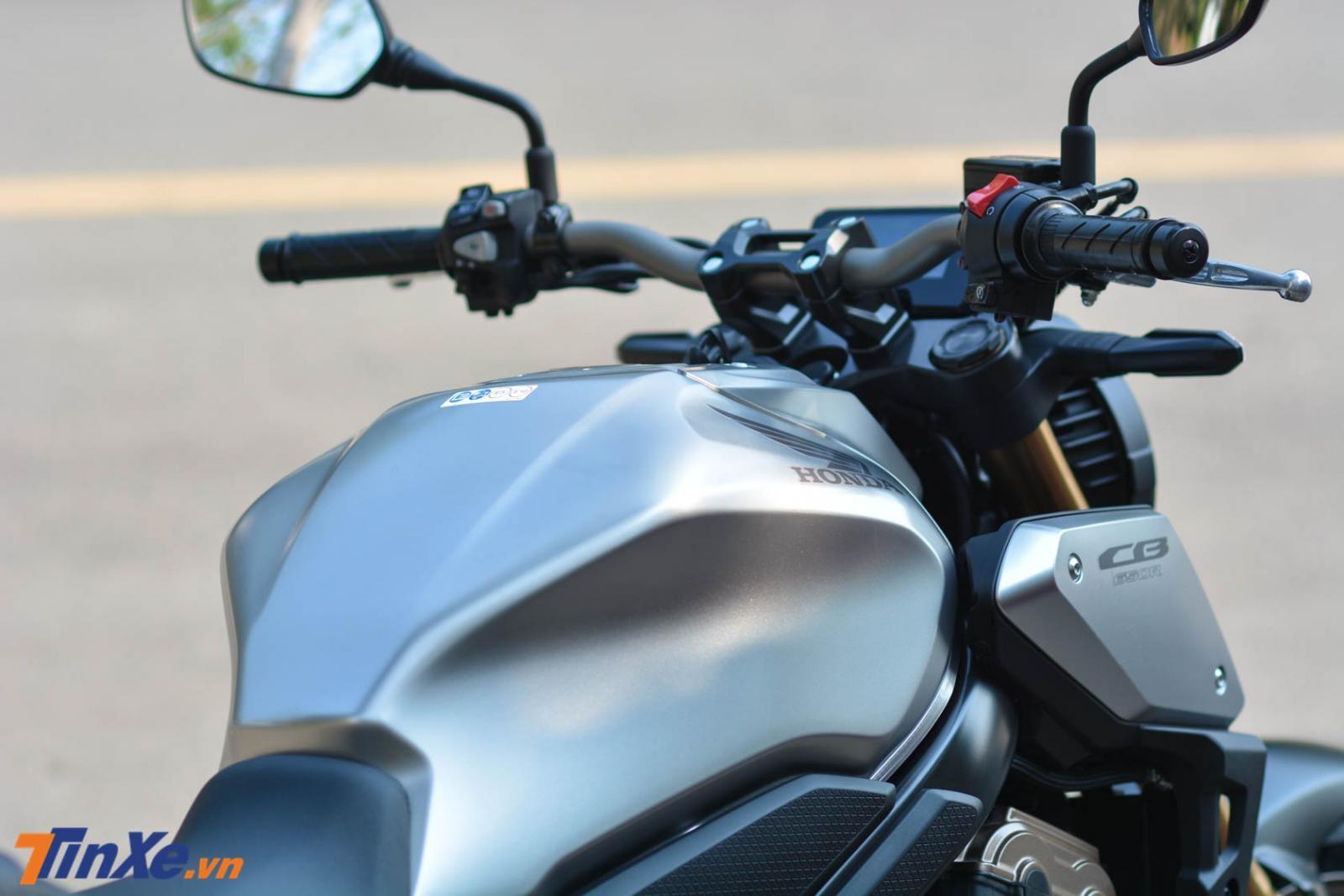 Trọng lượng xe Honda CB650R 2019 chỉ vào khoảng 202 kg, giảm 6 kg so với Honda CB650F