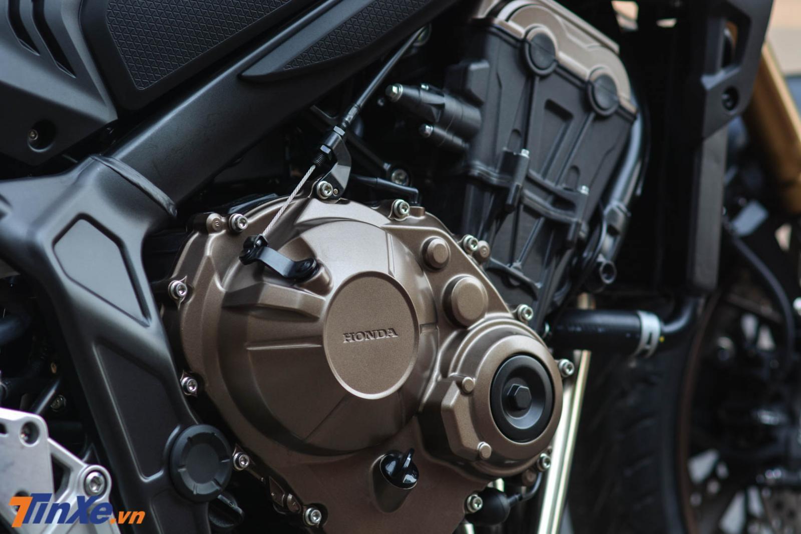 Honda CB650R 2019 vẫn sử dụng khối động cơ 4 xy-lanh thẳng hàng DOHC, dung tích 649 cc lấy của CB650F