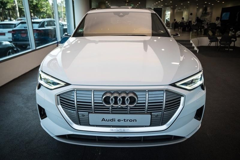 Audi e-tron 55 quattro 2019 được trang bị 2 mô-tơ điện