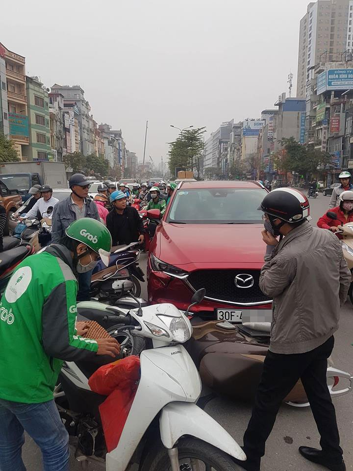 Vụ tai nạn đã gây ùn tắc giao thông