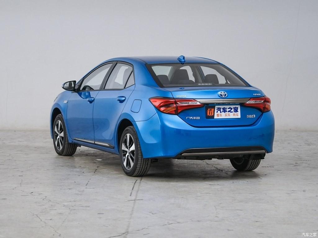 Toyota Levin E+ 2019 còn được trang bị đèn hậu LED