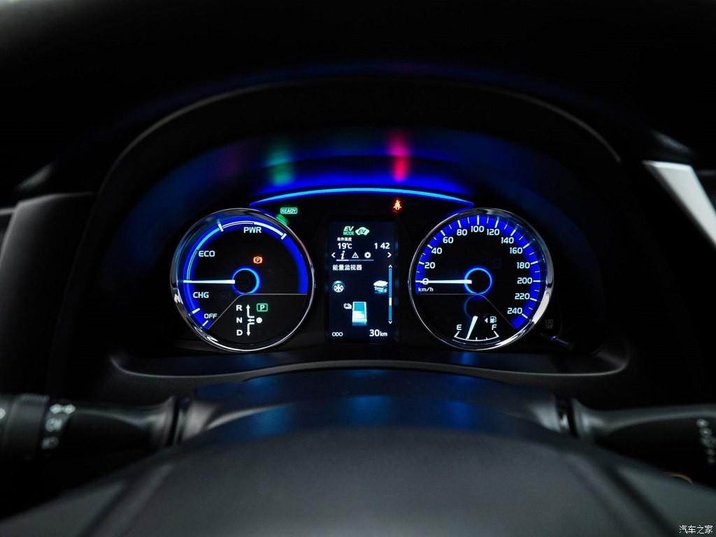 Bảng đồng hồ với màn hình đa thông tin 4,2 inch của Toyota Levin E+ 2019