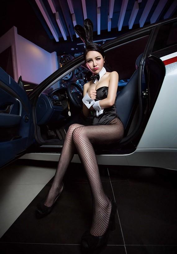 Người đẹp Trung Quốc tinh nghịch với bộ trang phục thỏ ngọc gợi cảm - 6