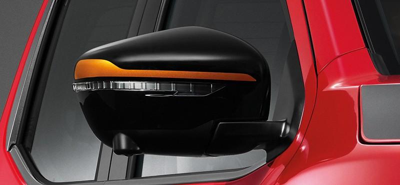 Hàng loạt chi tiết ngoại thất của Nissan Navara Black Edition 2019 được sơn màu đen