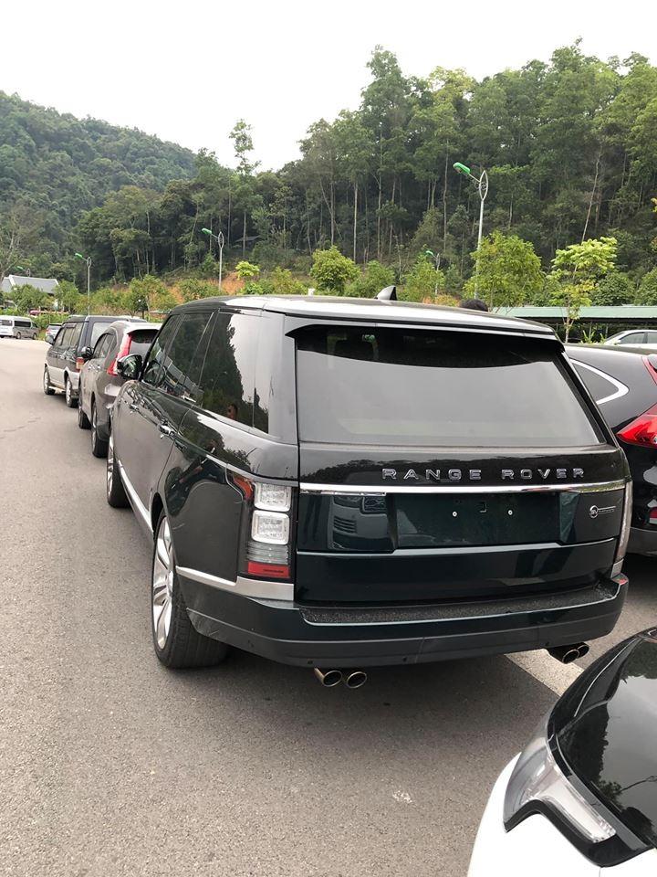 Vụ việc 3 chiếc Range Rover đắt đỏ bị vặt mặt gương đang nhận sự chú ý của cư dân mạng