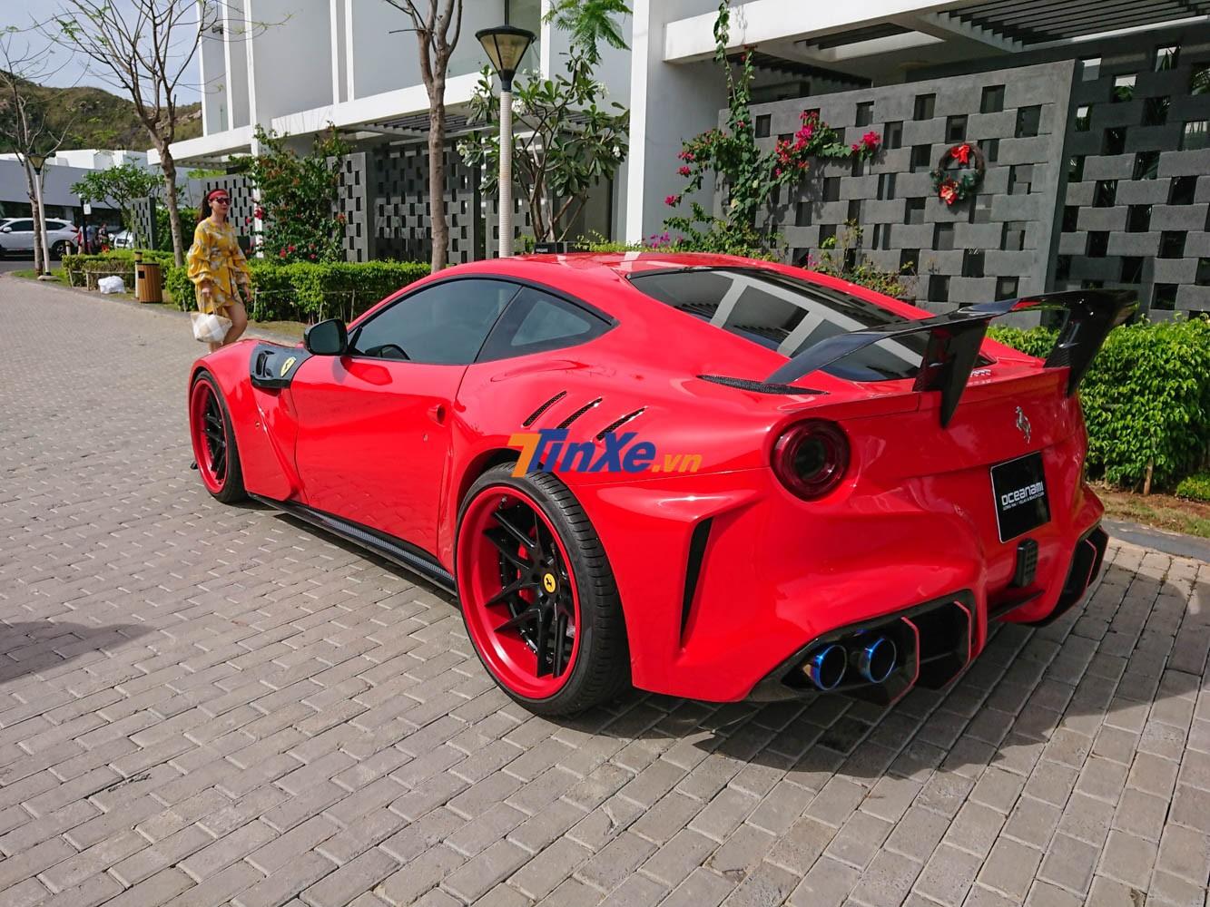 Duke Dynamics đã thay đổi đến 21 chi tiết trên siêu xe nguyên bản Ferrari F12 Berlinetta