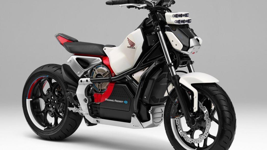 Xe là phiên bản điện của mẫu Riding Assist được giới thiệu vào năm 2016