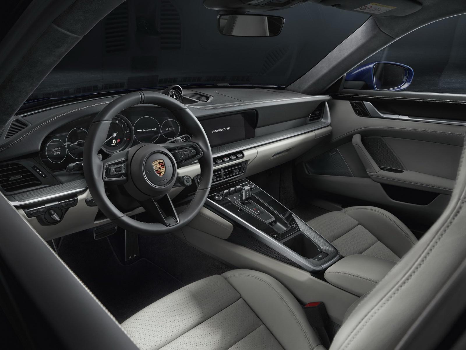 Nội thất bên trong Porsche 911 2020
