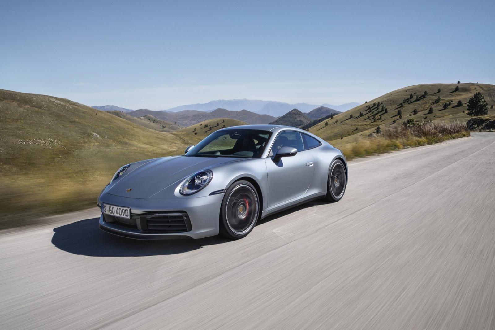 Porsche 911 2020 sở hữu thiết kế cải tiến so với thế hệ cũ