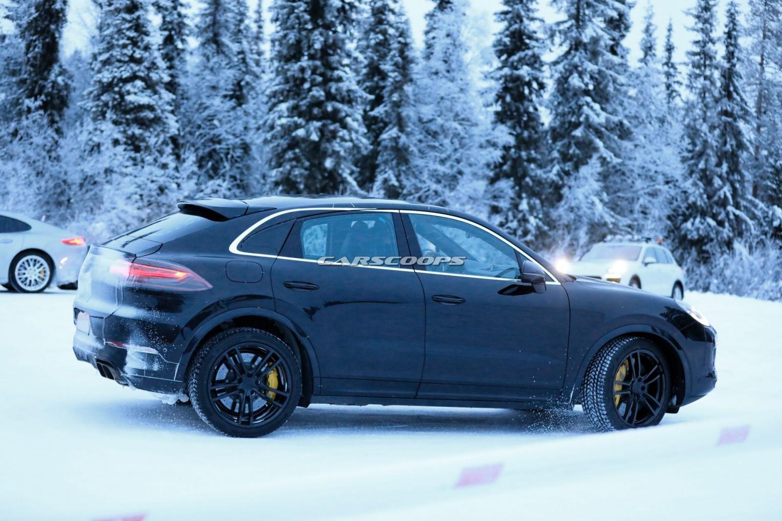 Porsche Cayenne Coupe 2020 trên đường thử