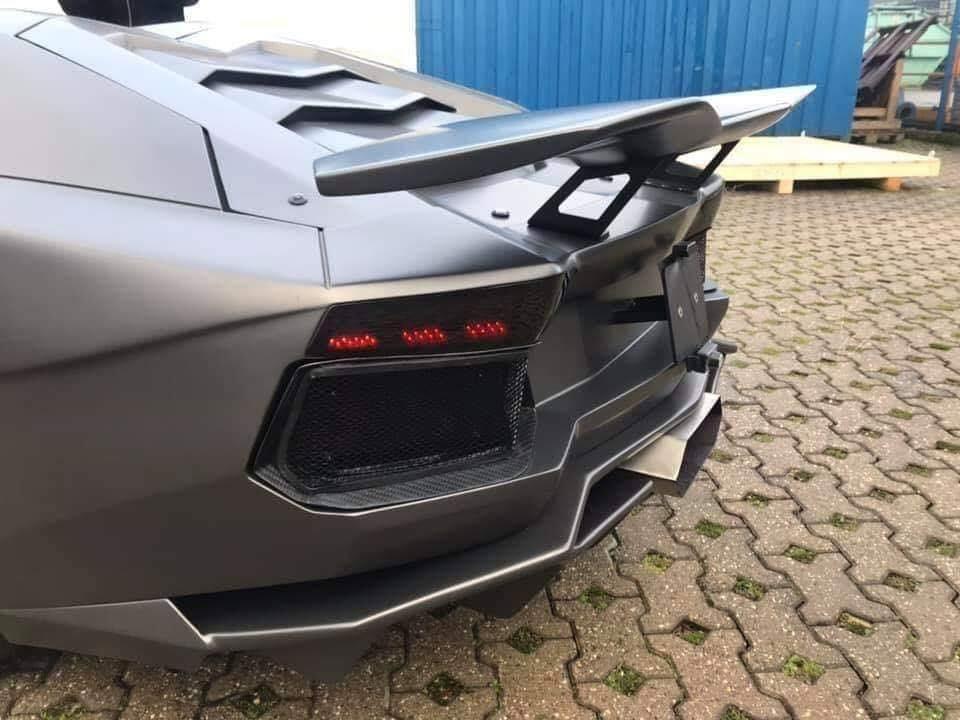 Thiết kế đuôi xe Aventador