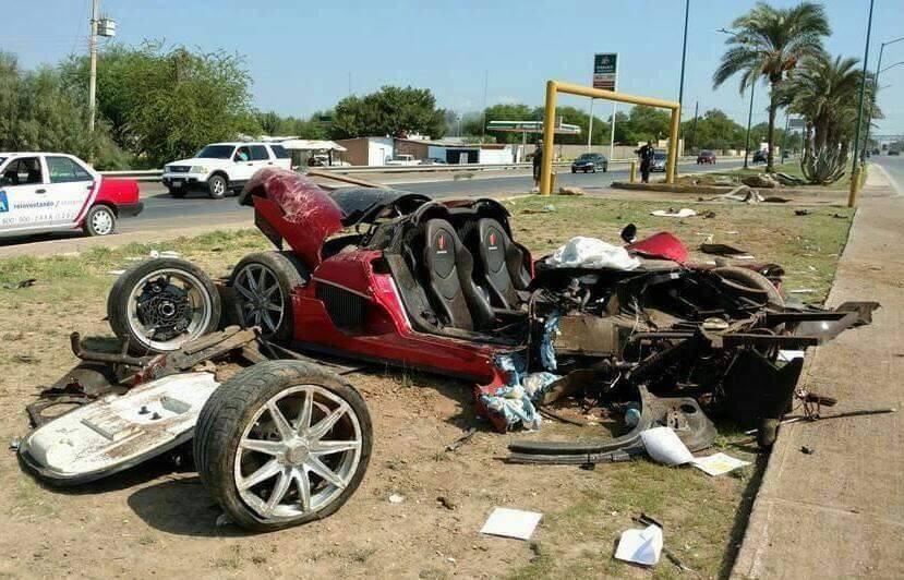 Siêu xe Koenigsegg CCX có một không hai gặp nạn tại Mexico vào năm 2016