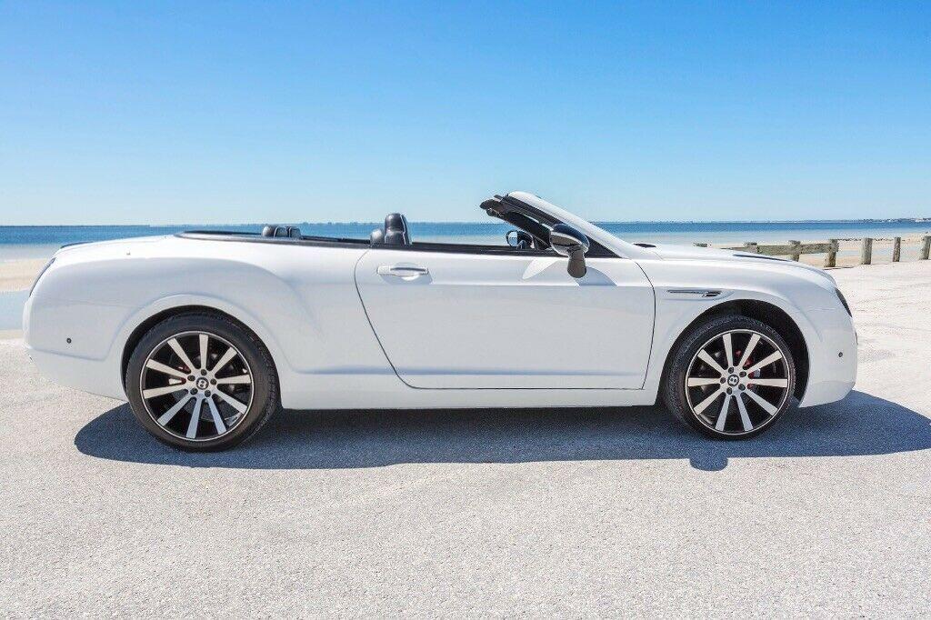 Thực tế nó có hình dáng nguyên thủy là một chiếc Chrysler Sebring