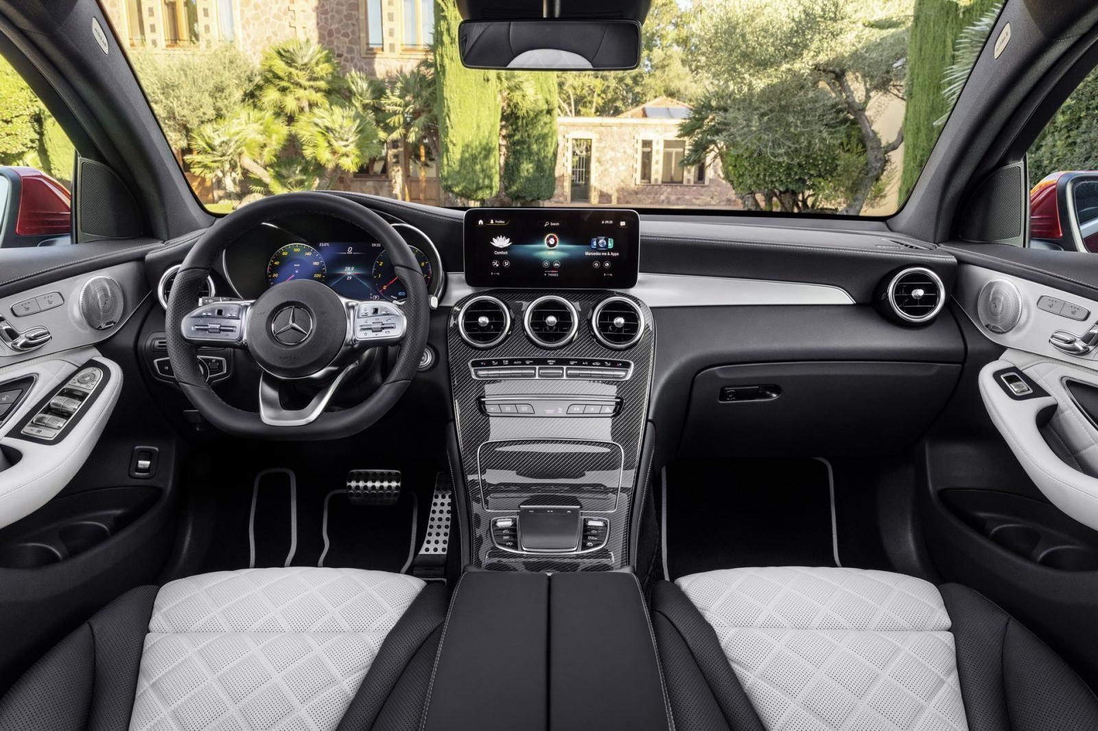 Nội thất bên trong Mercedes-Benz GLC Coupe 2020
