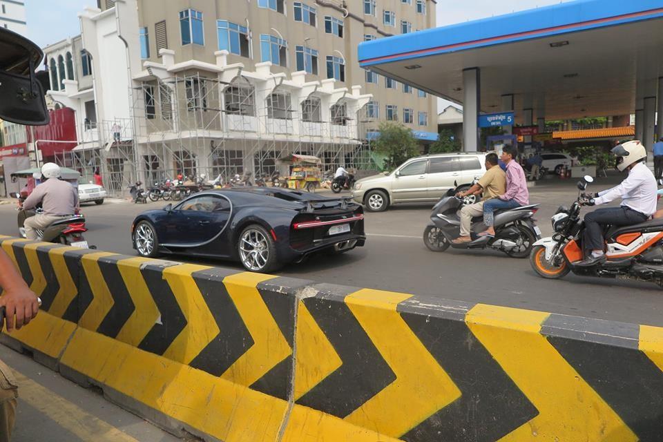 Đây là chiếc Bugatti Chiron tại Campuchia