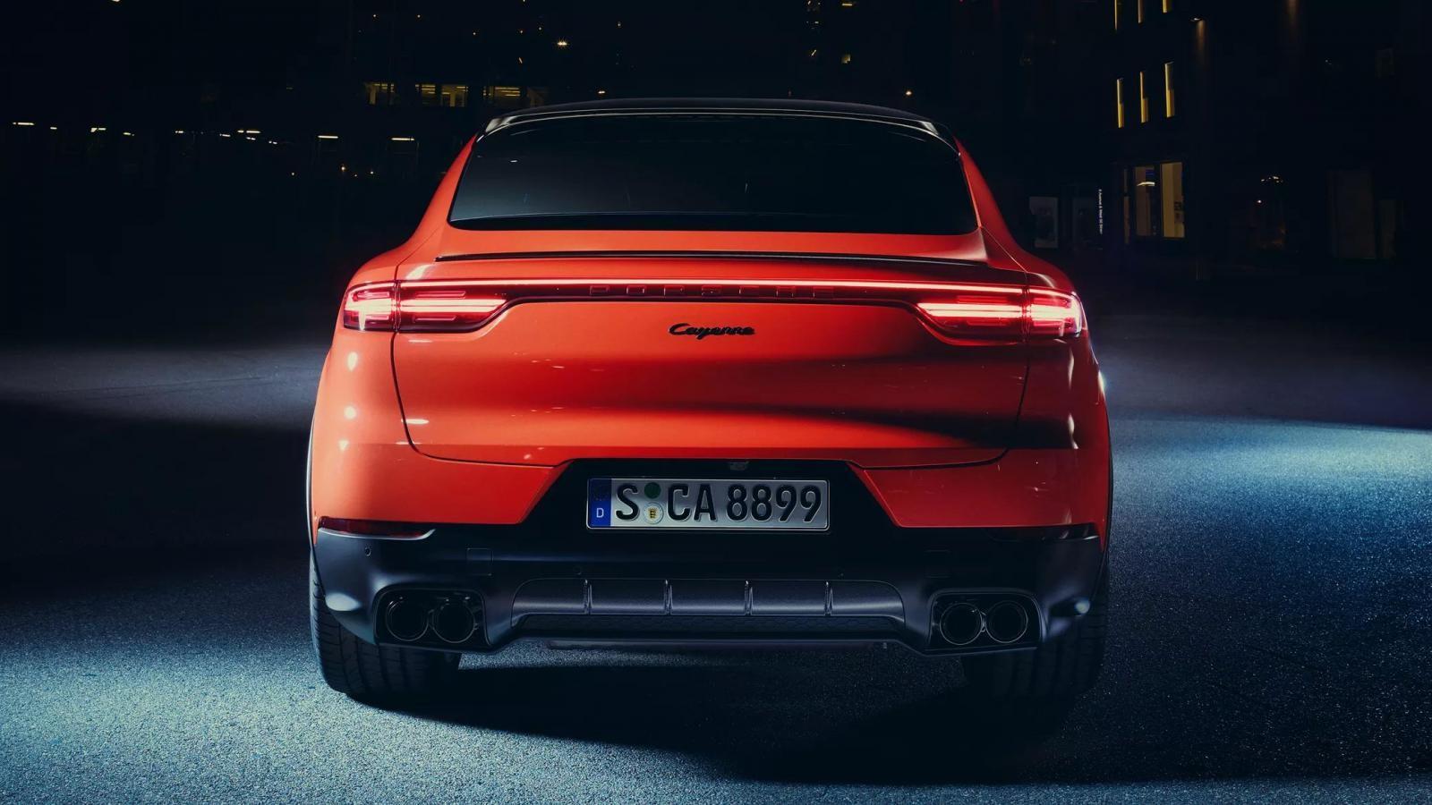 Porsche Cayenne Coupe 2019 nhìn từ phía sau