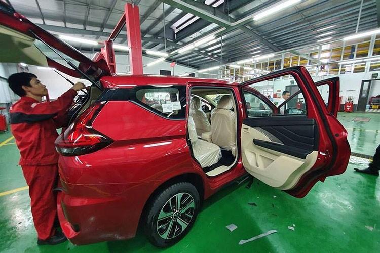 Màu đỏ trên mẫu Xpander cùng tông với loại màu đỏ hay được Mitsubishi áp dụng trên các dòng xe của mình