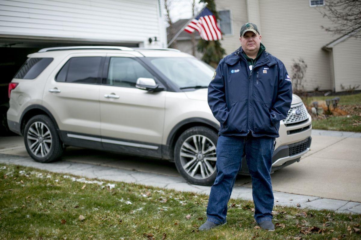 Bert Henriksen nói rằng anh ấy đã bị các triệu chứng đau đầu, chóng mặt bởi chiếc Ford Explorer của mình